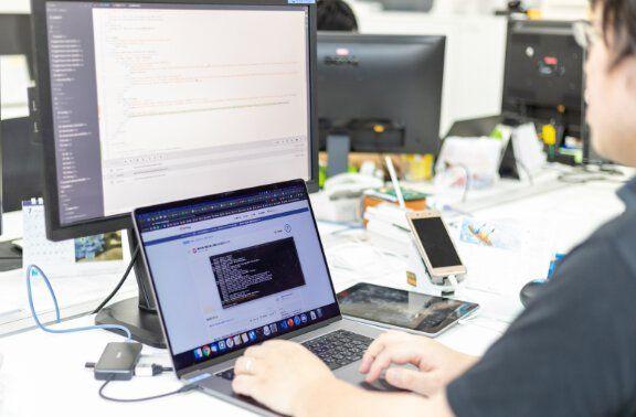 Web開発エンジニア画像
